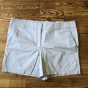 NWT Women's 16 Shorts